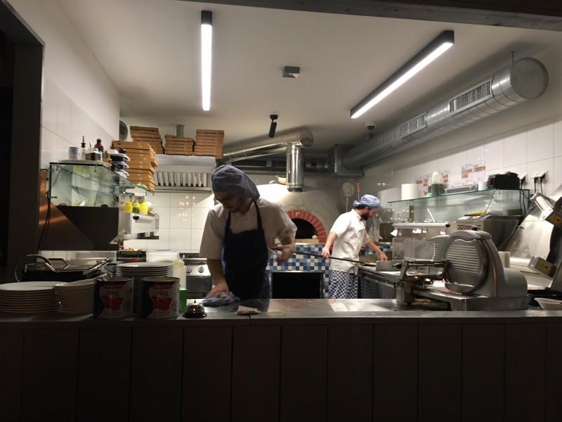 De keuken van De Pizzabakkers Arnhem